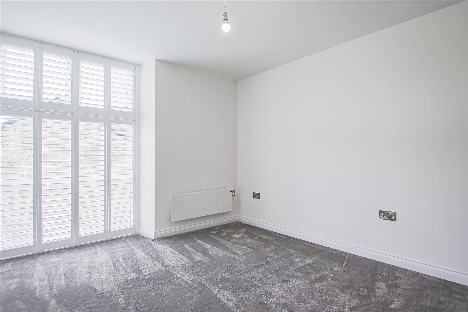 2 Bedroom Apartment For Sale - Image 14